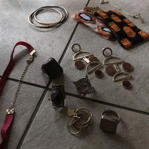 Jewelry - Grab bag of jewelry